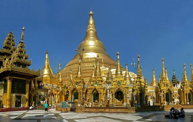 Risultati immagini per pagoda shwedagon myanmar